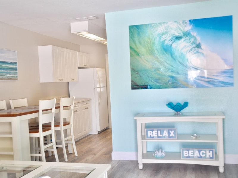 Crystal Sands Beach House II at Indian Rocks Beach, vacation rental in Indian Rocks Beach