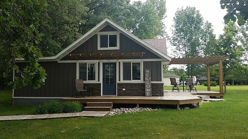 Cozy Cabin Ottertail Lake, holiday rental in Richville