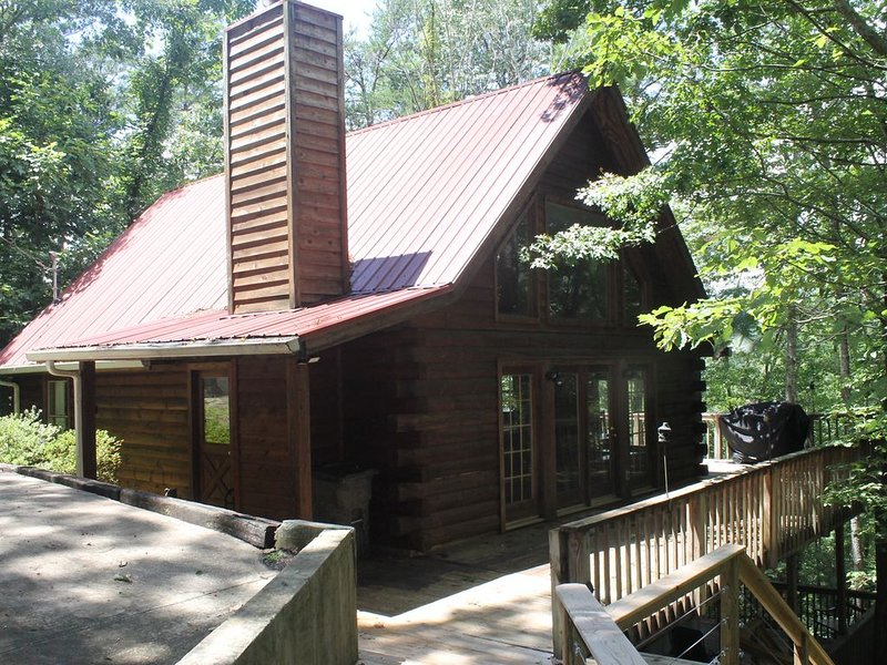 Helen Mountain Views 2.5 Miles From Unicoi State Park and Waterfalls, holiday rental in Sautee Nacoochee