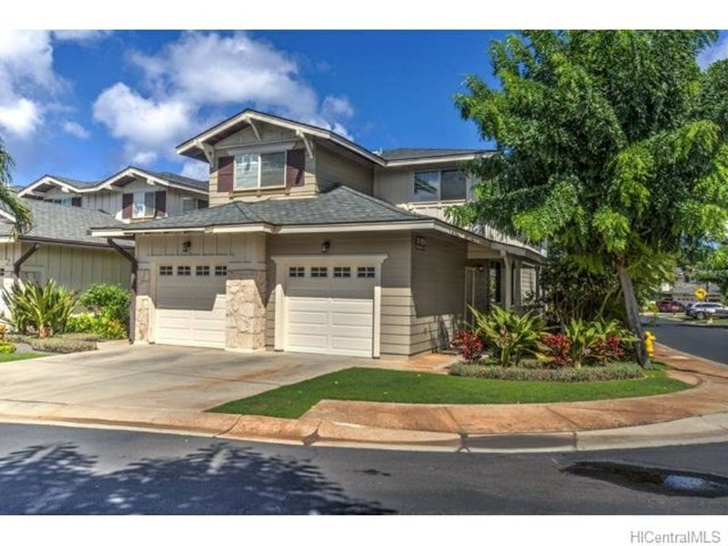 Hawaii Condo Close to Beach, Golf, Pool and Restaurants, location de vacances à Waipahu