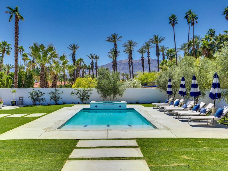 Luxury Estate- Experience Extraordinary!, alquiler de vacaciones en Greater Palm Springs
