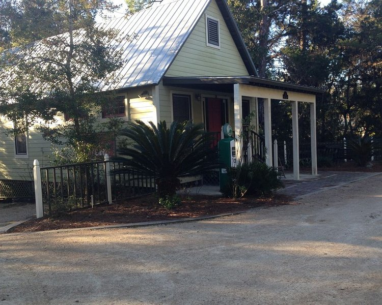 Thomas' Store- pet friendly and cozy, holiday rental in Steinhatchee