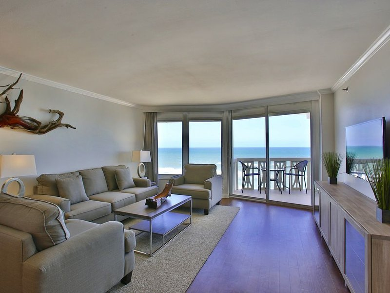 DIRECT OCEANFRONT Luxury & Modern HIGH FLOOR Condo, Ferienwohnung in Ormond Beach
