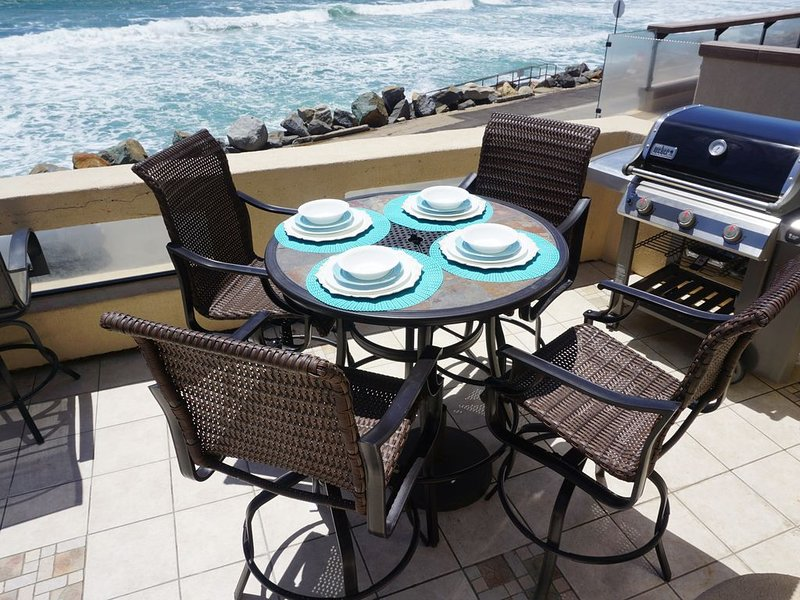 Views! Air Conditioning! Steps to the Sand! On The Strand, location de vacances à Oceanside