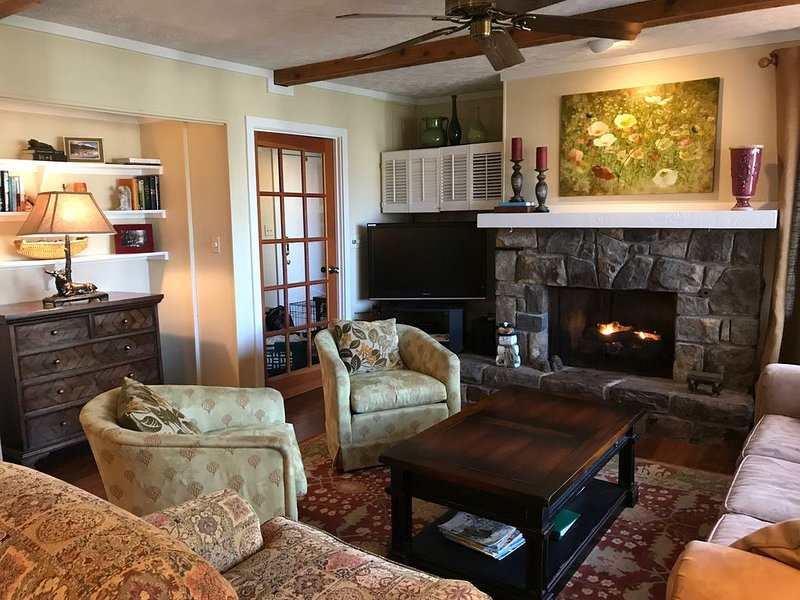 Beautiful mountain getaway close to it all!, vacation rental in Banner Elk