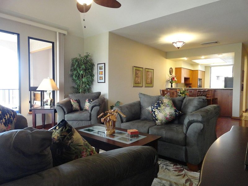 Luxurious Top Floor View Condo,   from $149/n, vacation rental in Puako
