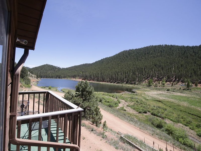 Fawn Haven On the Lake, holiday rental in Bailey