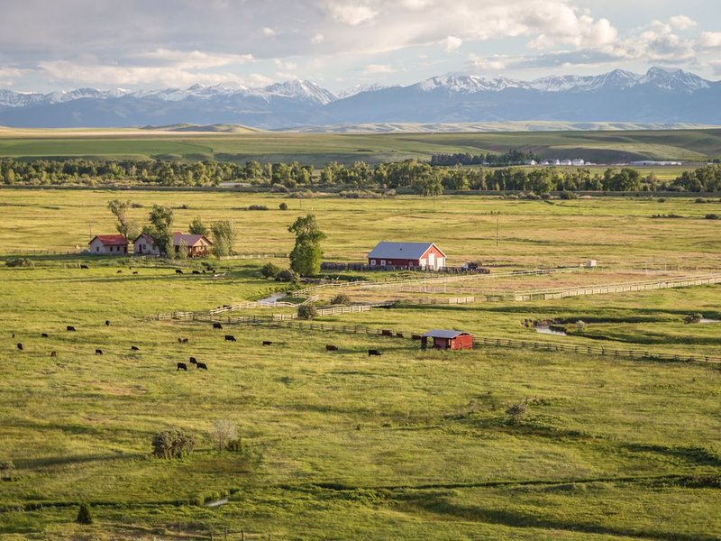 Private Madison River Access From This Ranch Home 30 Minutes From Bozeman, vacation rental in Manhattan