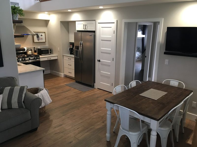 Apartment on a 100-acre riverfront ranch., vacation rental in Fruitvale