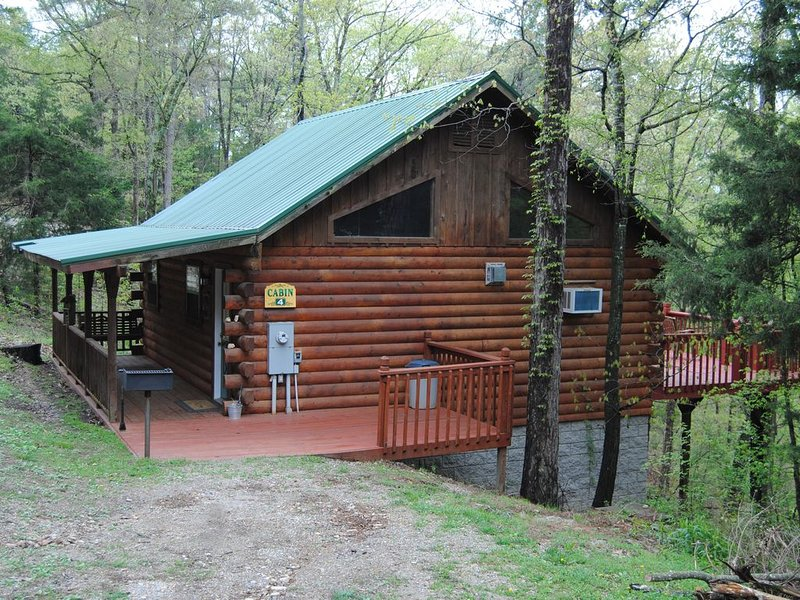 Cabin Fever Resort - Cabin #4, holiday rental in Holiday Island