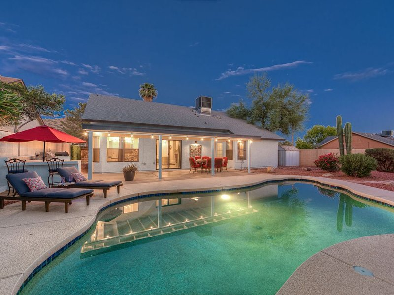 Designer's Dream house with heated Pool., vacation rental in Paradise Valley
