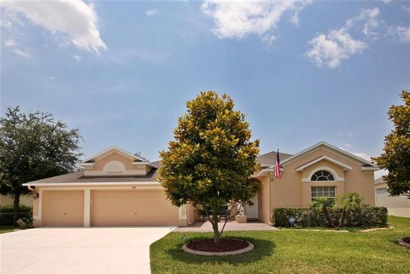5 BR Executive Villa, Large Pool, Gated Community in Championsgate Near Disney, holiday rental in Loughman