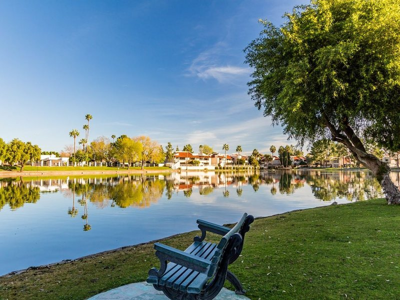 LAKEFRONT! RAVE REVIEWS!   waterfalls,creek,walking trails, wildlife, vacation rental in Phoenix