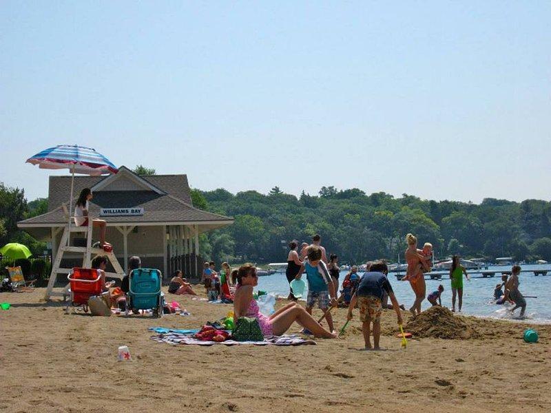 Public beach 3 blocks away