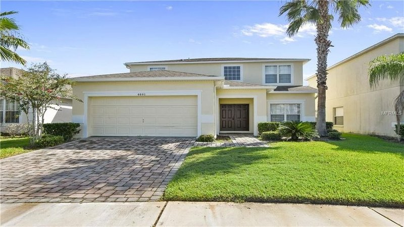 6 minutes from all major parks in the Orlando/ Kissimmee Area, holiday rental in Kissimmee