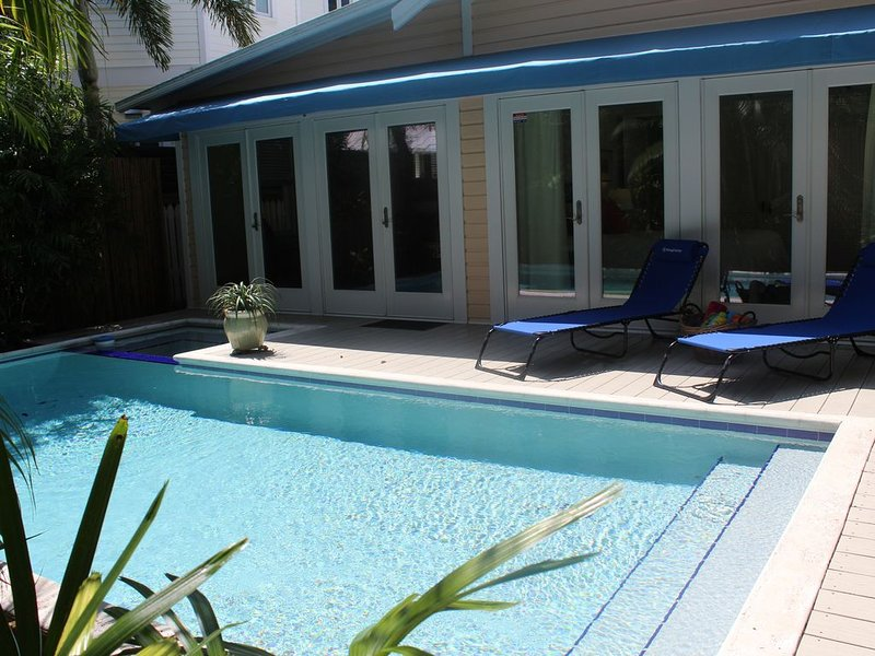 Bottom's Up Bungalow, holiday rental in Stock Island