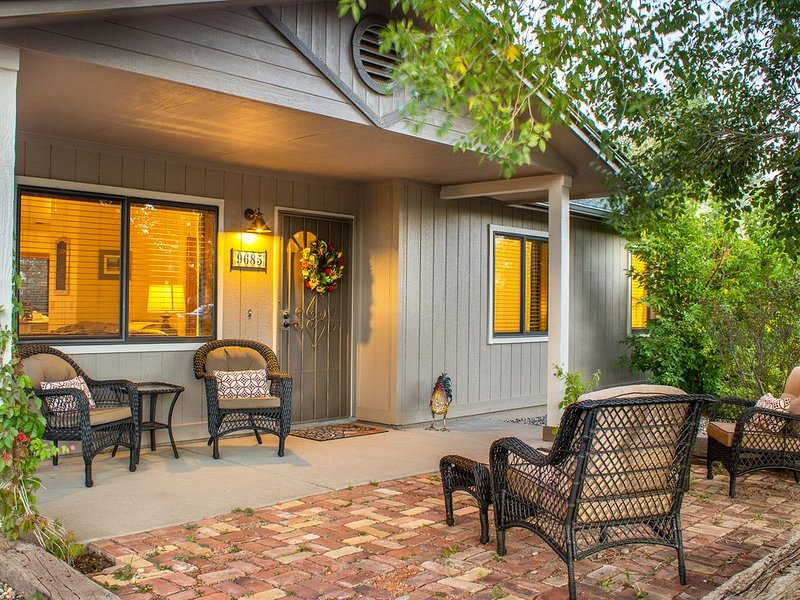 Rooster's Ranchette - Country Home on 1 Acre w/ AC, Mountain Views, dog friendly, vacation rental in Flagstaff