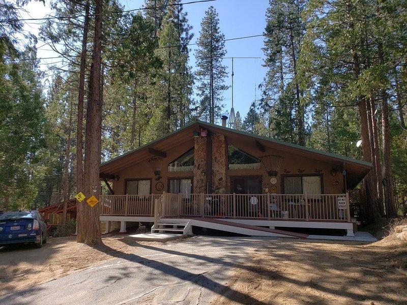 Comfortable and Spacious Vacation Home Near Golf and Redwoods, in Yosemite Park, alquiler de vacaciones en Parque Nacional de Yosemite