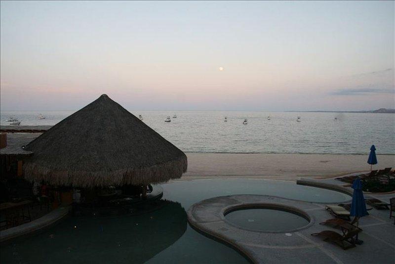 Ocean Front Condo Villas De Cortez Resort, Overlooking Pool., aluguéis de temporada em Los Barriles
