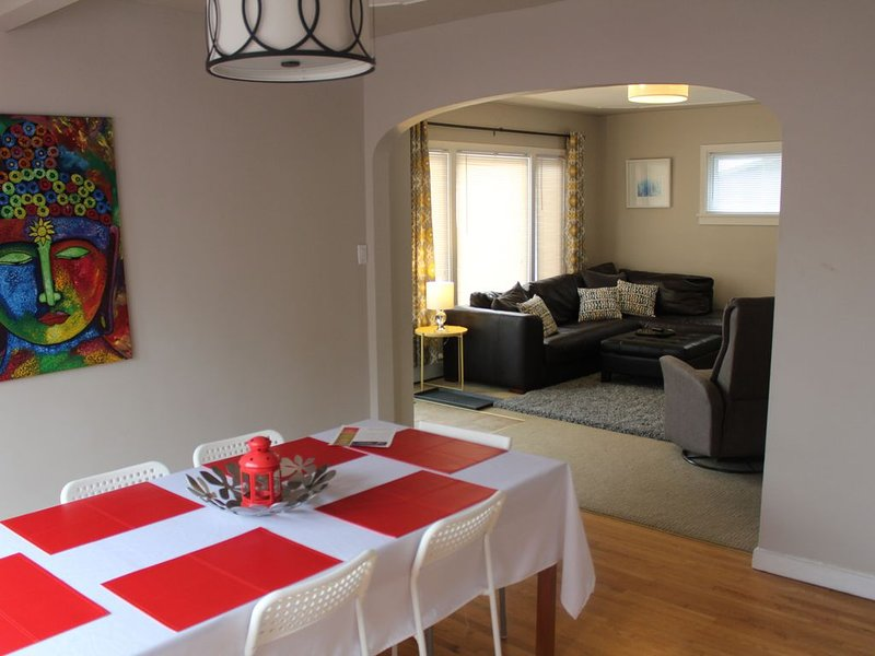 3 Bedroom close to the city center, holiday rental in Calgary