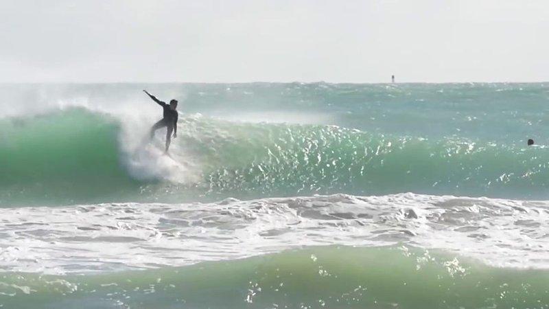 SURFING ON HOLLYWOOD BEACH