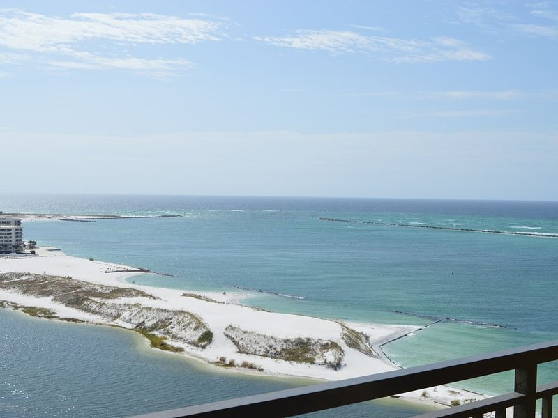 Emerald Grande 1222��One of the Best Views in Destin��Curved TV!! 3BR/2BA, holiday rental in Niceville