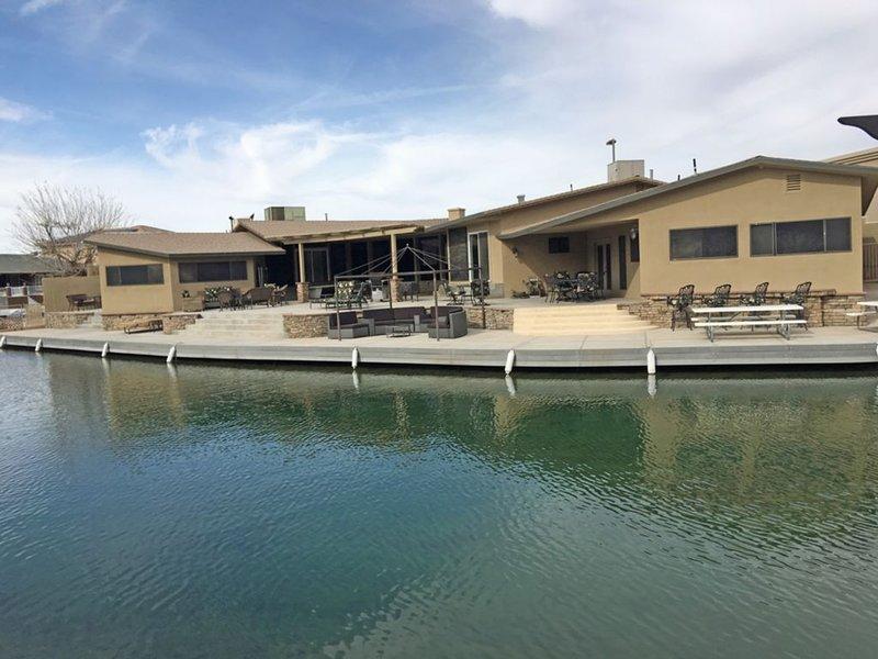 Casa De Paradise - Entertainers Dream - Parker Strip Keys Home, holiday rental in Parker