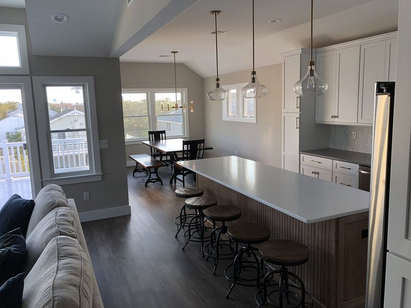 Gorgeous LBI Rental in Surf City!, vacation rental in Beach Haven West