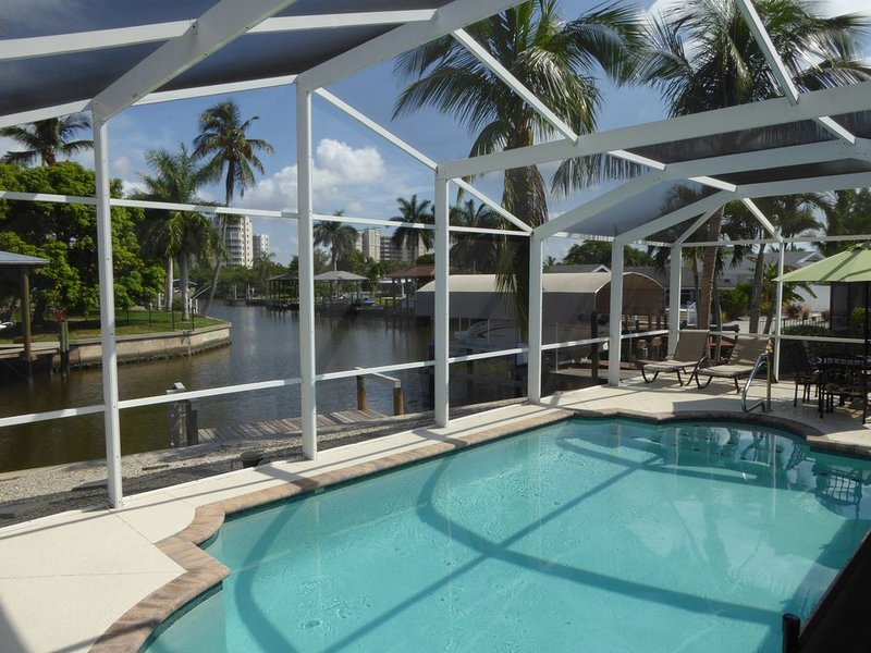 Modern Beach Cottage w/ Private Pool-  Beach across the Street!!, vacation rental in Fort Myers Beach