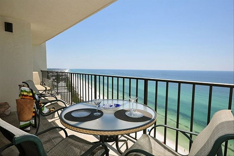 *Breathtaking View of Emerald Water*Pool*Free WiFi & Parking*Tennis Court*Grill* – semesterbostad i Santa Rosa Beach