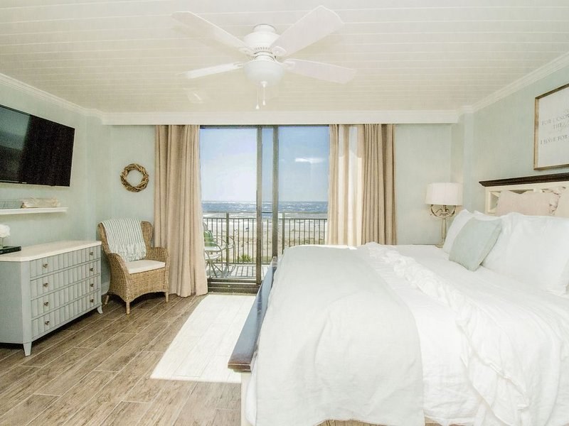 Oceanfront. Luxury. Penthouse., holiday rental in Isle of Palms