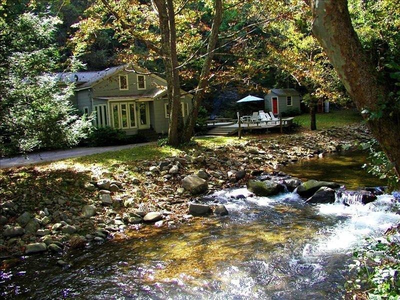 Waterfront Retreat on the Piney River.  Relaxing Blue Ridge Mountain, alquiler vacacional en Arrington