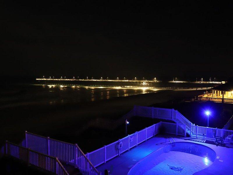 Uw zwembad en strand 's nachts is bijna net zo mooi als overdag!
