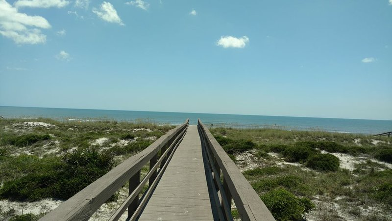 Come visit paradise. Condo one block from the beach., aluguéis de temporada em Fernandina Beach