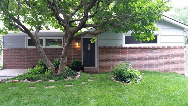 Beautiful remodeled 4 bedroom 2 bath house, holiday rental in Nebraska