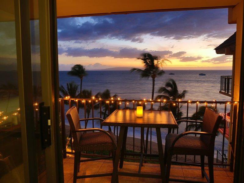 Paradise Found!  Top Floor, Beachfront, Oceanfront, Ocean View, holiday rental in Spreckelsville