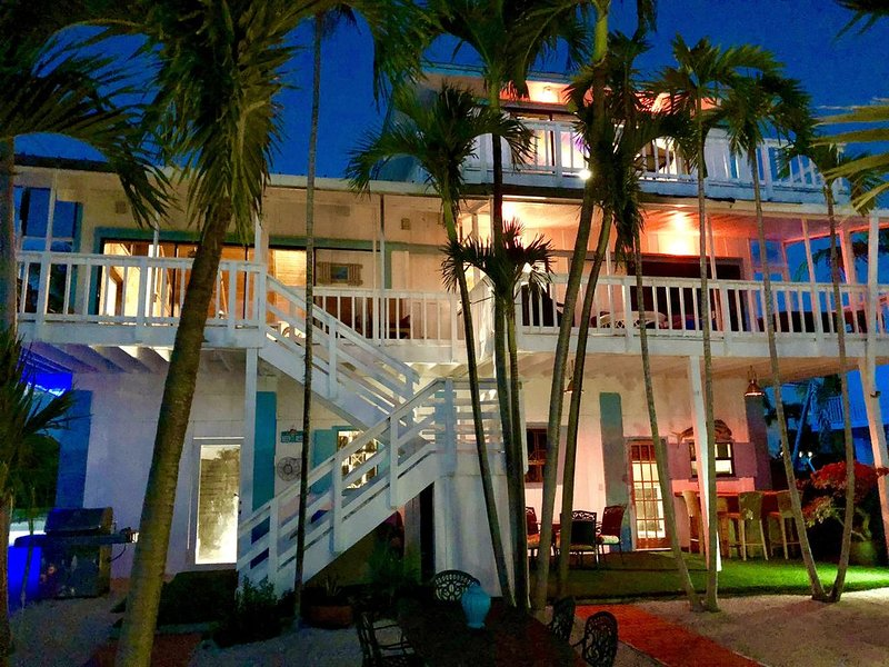 3200 sq ft. Masterpiece home fishing paradise waterfront 4/ 3, location de vacances à Long Key