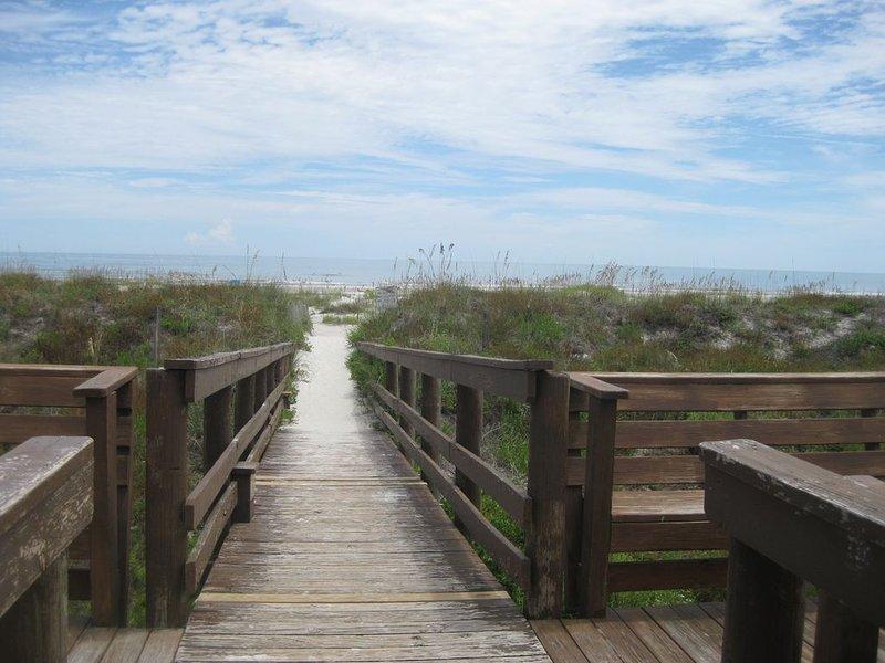 Dunes Crossover / Walkway