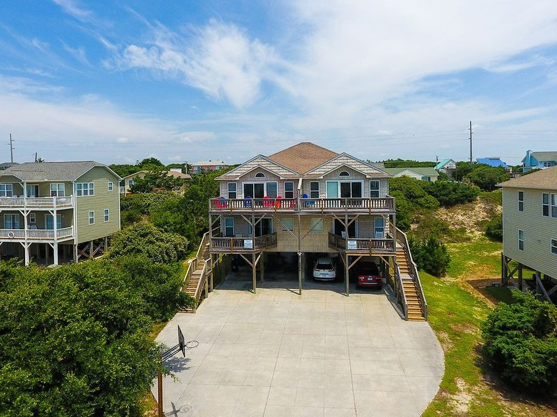 Enjoy Incredible Views from this immaculate 2nd row, pet friendly home, vacation rental in Emerald Isle