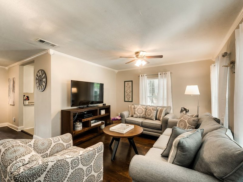 Fort Worth Home Near TCU, Colonial, Zoo, Down Town, holiday rental in Fort Worth