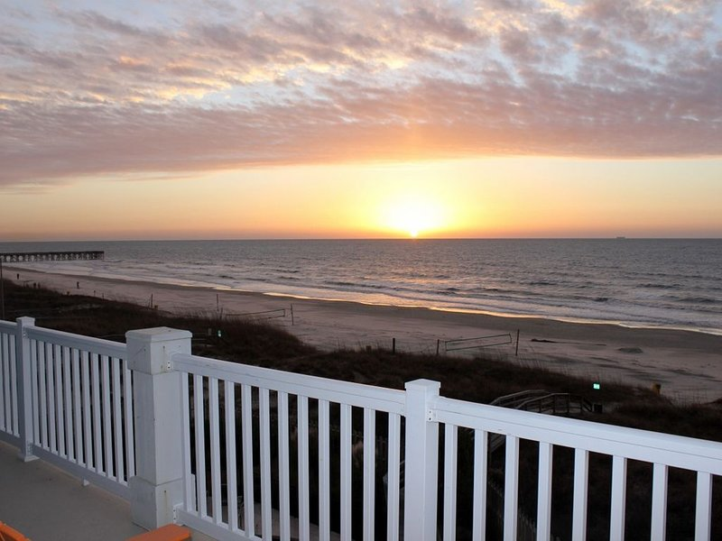 Newest Oceanfront Condo on IOP-Panoramic Ocean Views-Pool (2nd Unit Available), holiday rental in Isle of Palms