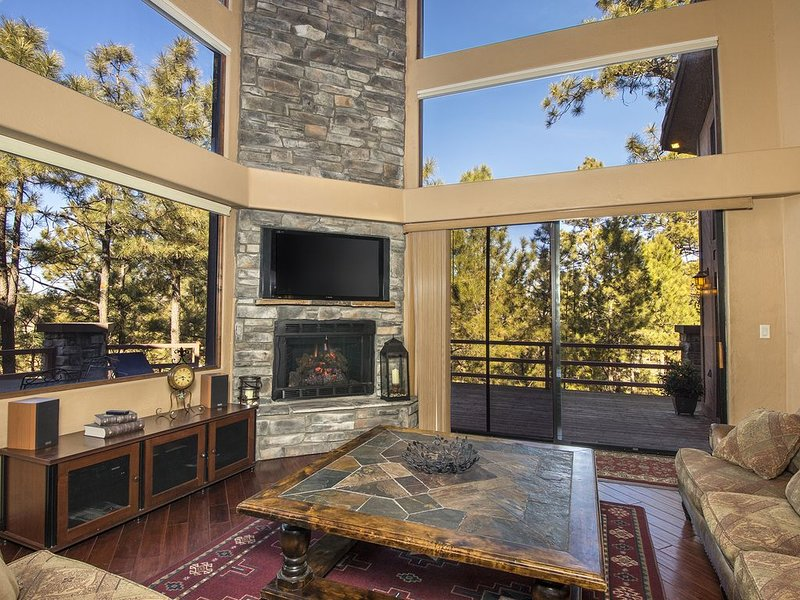 Timberloft - a Flagstaff Luxury Lodge Home, holiday rental in Flagstaff