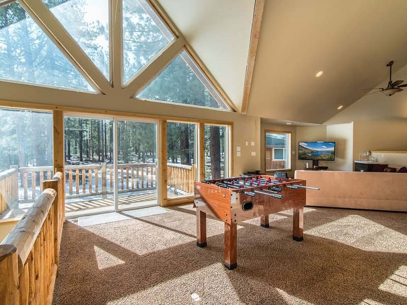 New Luxurious 6 Br, 4000+ Sqft Home In Extraordinary Location With Amazing Views, vacation rental in South Lake Tahoe