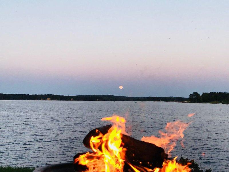 "The Best ""Dam"" View On Lake Sinclair!!!!!, aluguéis de temporada em Milledgeville"