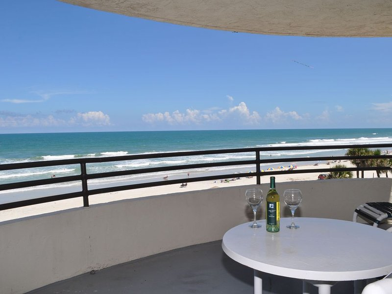 Spectacular Direct Oceanfront Luxury Condo-Large Private Balcony, Views Galore, holiday rental in Daytona Beach Shores