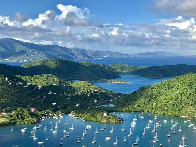 HEAVENLY VIEWS and PRIVATE POOL - Discount in December. Book now!, location de vacances à Coral Bay