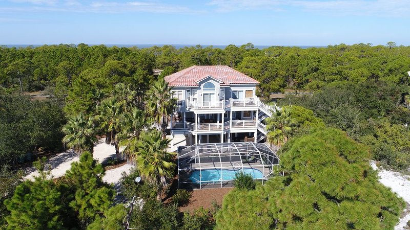 Dec 19-26  $3060. Pvt Heated Pool...289 StepsTo Beach GulfViews FreeBeachGear, holiday rental in Apalachicola