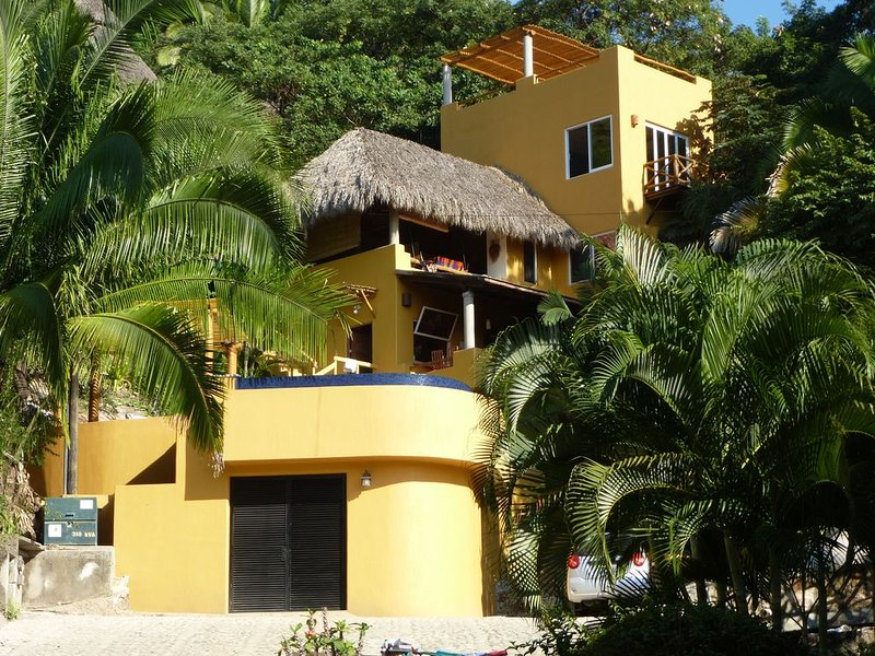 Casa Olayh is a Private Home with a Beautiful Ocean View, holiday rental in Sayulita