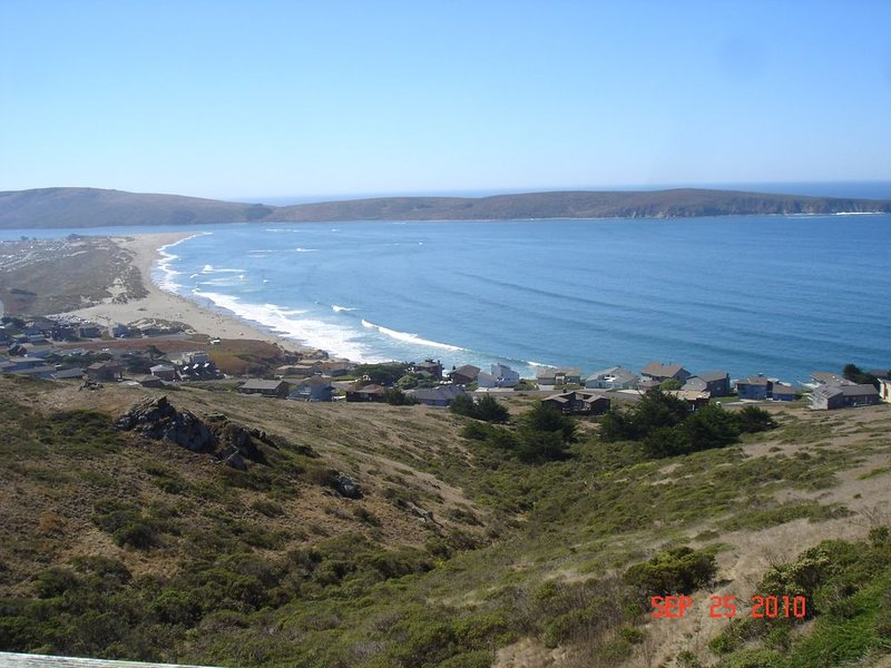 Farol - It's Never Not About The Views Of The Beach!, vacation rental in Dillon Beach