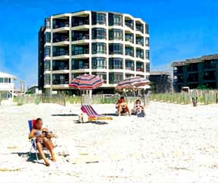 Ocean Front 3 Bedroom, 3 Bath-linens provided Sat.-Sat., vacation rental in Little River